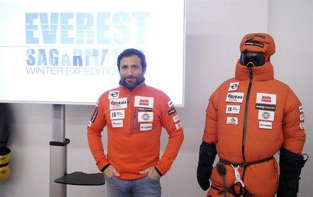 Alex Txikon volverá a intentar la ascensión invernal al Everest sin oxígeno