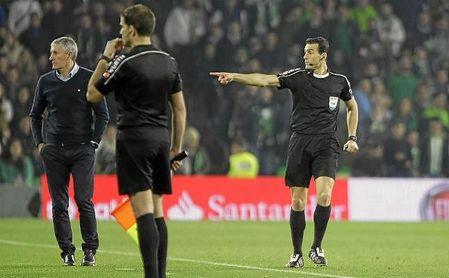 Martínez Munuera expulsó a Eder Sarabia y a Setién en el partido ante el Athletic.