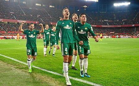 Sevilla FC 3-5 Real Betis: El Betis reina en un gran derbi