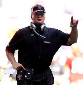 """Jon Gruden llega a Raiders por la puerta grande y su promesa es """"trabajar"""""""
