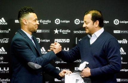 El Valencia confirma la contratación de Coquelin hasta junio de 2022