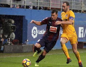 Godín, baja por cinco amarillas contra el Girona