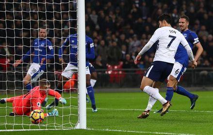 El Tottenham se acerca a Champions, falla Chelsea y renacen West Ham y Palace