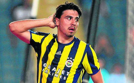 Tufan, centrocampista del Fenerbahçe.