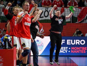 Alemania, Dinamarca y España ratifican su condición de favoritos