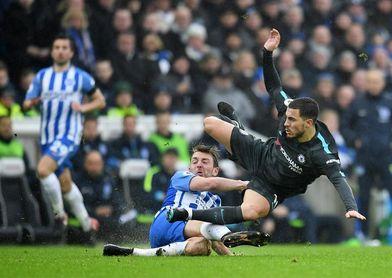 Hazard y Willian despiertan al Chelsea de su letargo (0-4)