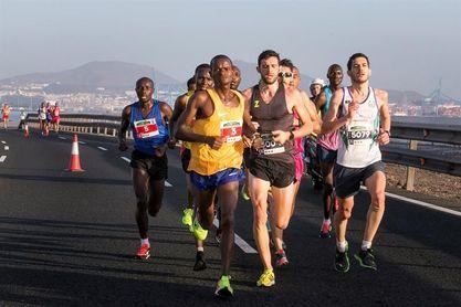 Los kenianos Mbugua y Chepleting, vencedores del noveno Gran Canaria Maratón