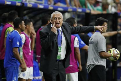 La Federación Salvadoreña de Fútbol despide al colombiano Eduardo Lara