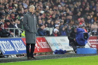 """Wenger asegura que le hubiera gustado """"hacer más"""" en el mercado de fichajes"""