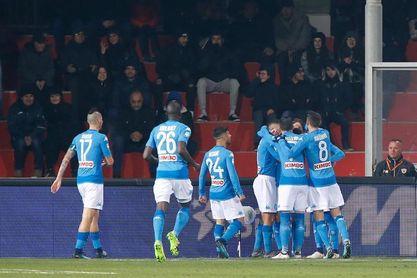 El Nápoles no falla ante el colista Benevento y sigue líder