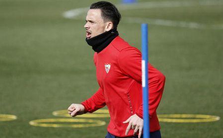 Roque Mesa, uno de los flamantes fichajes invernales del Sevilla FC, en plena sesión de entrenamiento.