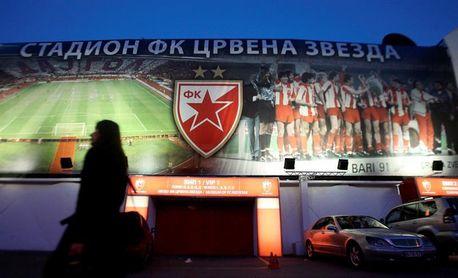 La UEFA condiciona durante dos años el cierre al campo del Estrella Roja por racismo