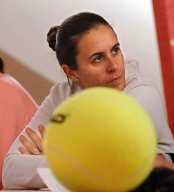 Anabel Medina dirige su primer entrenamiento en Italia
