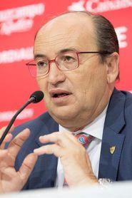 El presidente del Sevilla FC José Castro declarará el día 26 por el uso de una cuenta del club