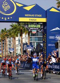 Viviani se alza con la última etapa y con su primer Tour de Dubai