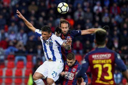 0-4. El Oporto recupera el liderato con una goleada al Chaves