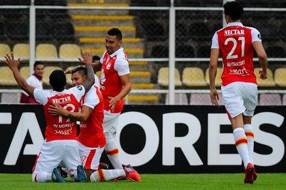 Wanderers quiere mantener el sueño de la Libertadores ante un Santa Fe favorito