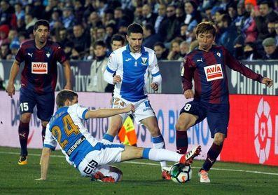 Tito y Brasanac no entrenan con el grupo, Gabriel se retira cojeando