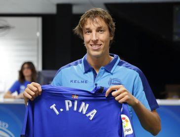 Tomás Pina: Me gustaría continuar en Vitoria