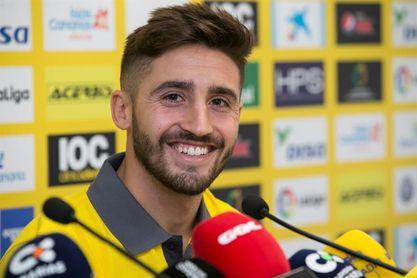 Nacho Gil cree que Las Palmas no fichará y dice que Tana puede suplir a Viera