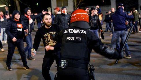 Petición unánime de expulsar del deporte a los violentos tras la muerte del ertzaina