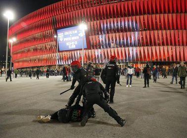 La UEFA incluye al ertzaina fallecido en Bilbao entre los homenajeados en el Congreso
