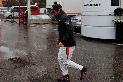 Día de aburrimiento en Montmeló, con pocos coches rodando por el mal tiempo