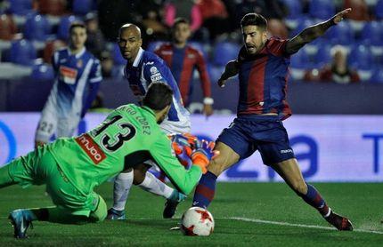 El Levante y Muñiz se juegan ante un Espanyol al alza su particular bola de partido