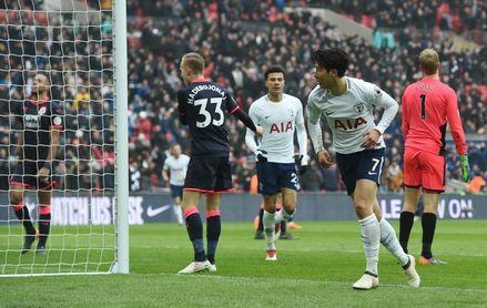 Liverpool y Tottenham se asientan en ´Champions´ y meten presión al Chelsea