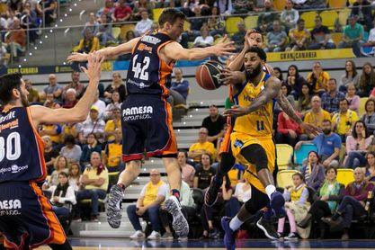 87-78. El Gran Canaria arrolla al Valencia y presenta su candidatura al play off