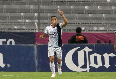 El Querétaro sorprende al Cruz Azul y lo derrota por la mínima en su estadio