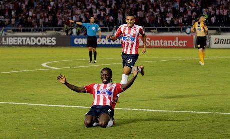 Medellín pierde la oportunidad de ser líder al caer 1-2 ante el Junior
