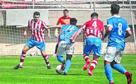En la imagen, un lance del pasado Algeciras-Castilleja, encuentro que acabó con derrota aljarafeña por 4-0.