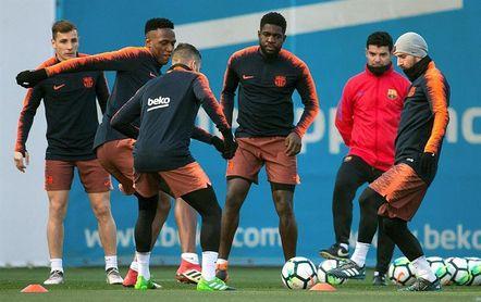 Ocho jugadores del primer equipo preparan la Supercopa catalana de mañana