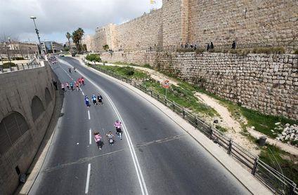 El keniano Kipkogey se impone en el maratón de Jersusalén con 35.000 corredores