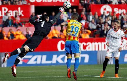 Rodrigo lleva más goles este año que en los 3 anteriores en Valencia juntos