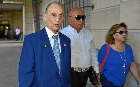 Manuel Ruiz de Lopera, en una de sus visitas a los juzgados durante el juicio.