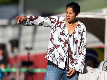 Hrubesch, técnico interino de selección femenina tras la destitución de la entrenadora