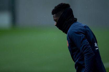 Dembélé e Iniesta salen de inicio; Giroud es la novedad de Conte