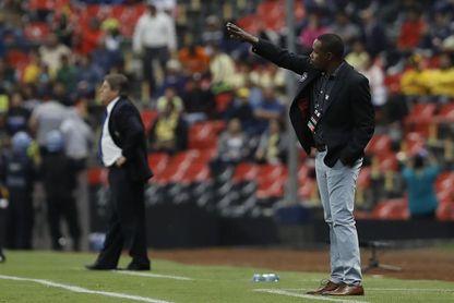 """El técnico del Tauro dice que Herrera, del América, los está """"menospreciando"""""""
