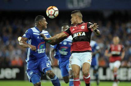 1-2. Vinicius Júnior arregla con doblete en 18 minutos los problemas del Flamengo