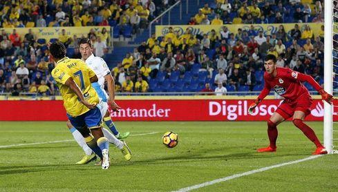 Deportivo y Las Palmas se juegan la vida