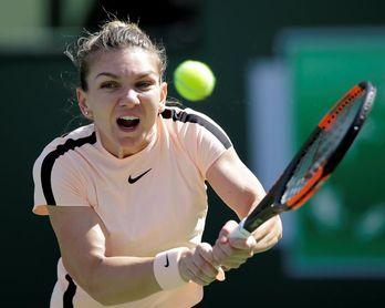 Simona Halep derrota a Petra Martic y logra el pase a semifinales