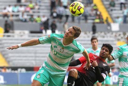 El argentino Furch reconoce que a Santos le ilusiona ganar la Liga y la Copa