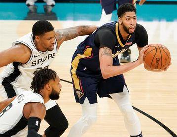 108-89. Davis registra un doble-doble en el triunfo de los Pelicans sobre los Celtics