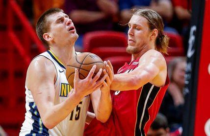 Aldridge y James dan triunfos importantes a Spurs y Cavaliers