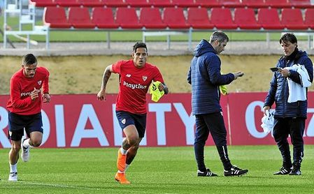 Arana sólo piensa en jugar lo máximo posible en el Sevilla.