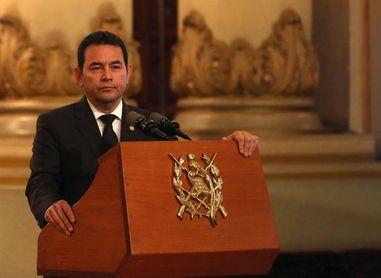 Jimmy Morales pide a la FIFA seis meses para reformar la federación de fútbol