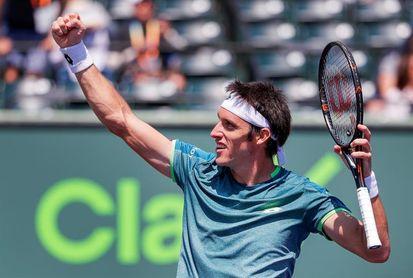 Mayer sufre para derrotar a Young pero ya está en segunda la ronda del Masters 1.000 de Miami