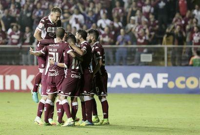 Alajuelense y Saprissa chocan en un clásico por el liderato en Costa Rica
